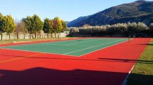Γήπεδο τένις στα Καμένα Βούρλα