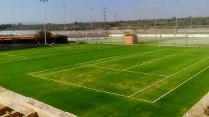 Κατασκευή γηπέδων τέννις με συνθετικό χλοοτάπητα