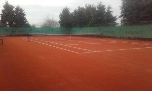 Κατασκευή γηπέδου τένις με συνθετικό χλοοτάπητα