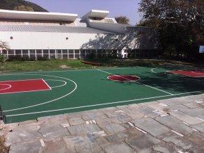 Κατασκευή ελαστοτάπητα γηπέδου μπάσκετ