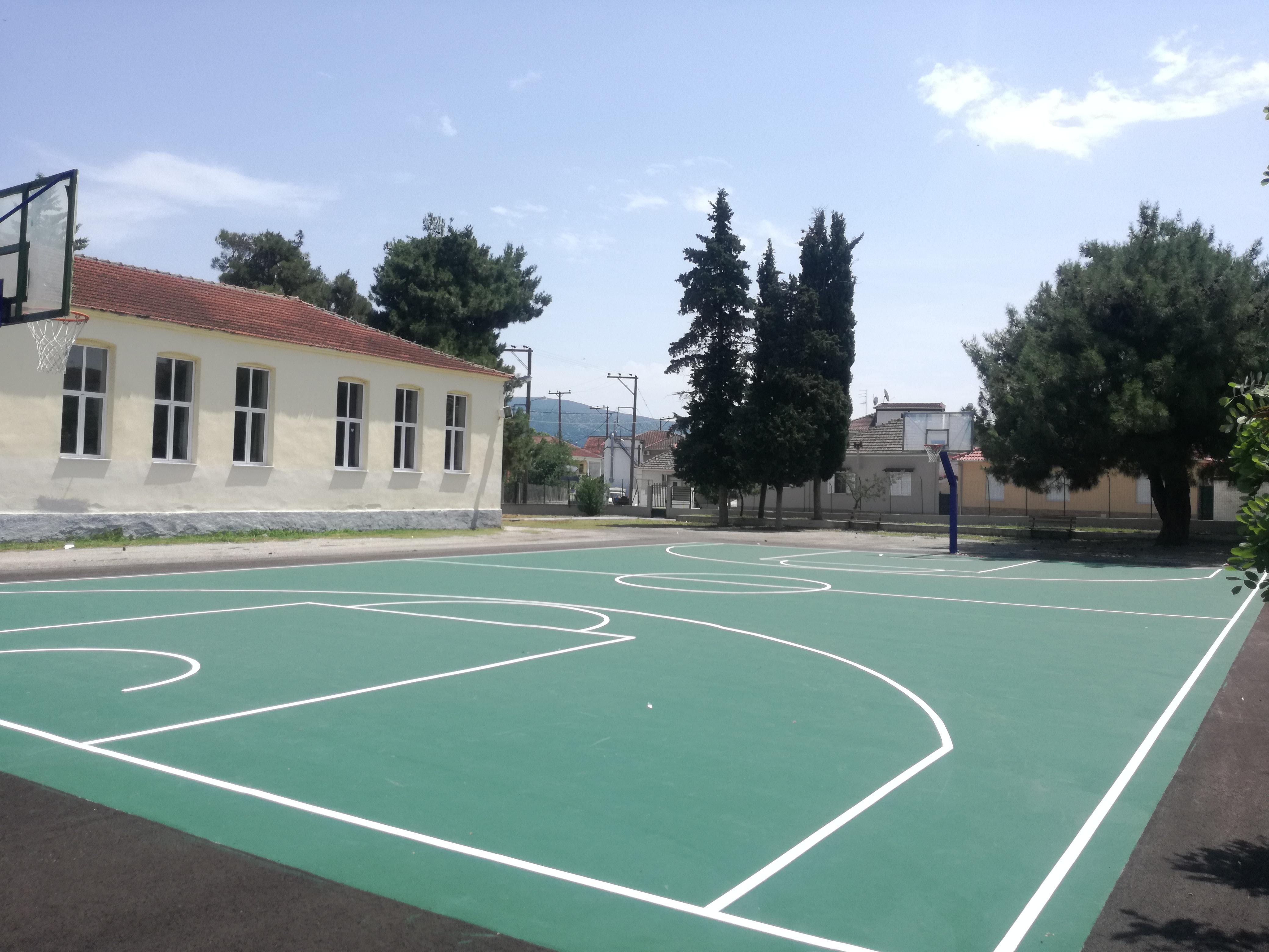 Δάπεδο μπάσκετ με υλικά προδιαγραφών (ITF)