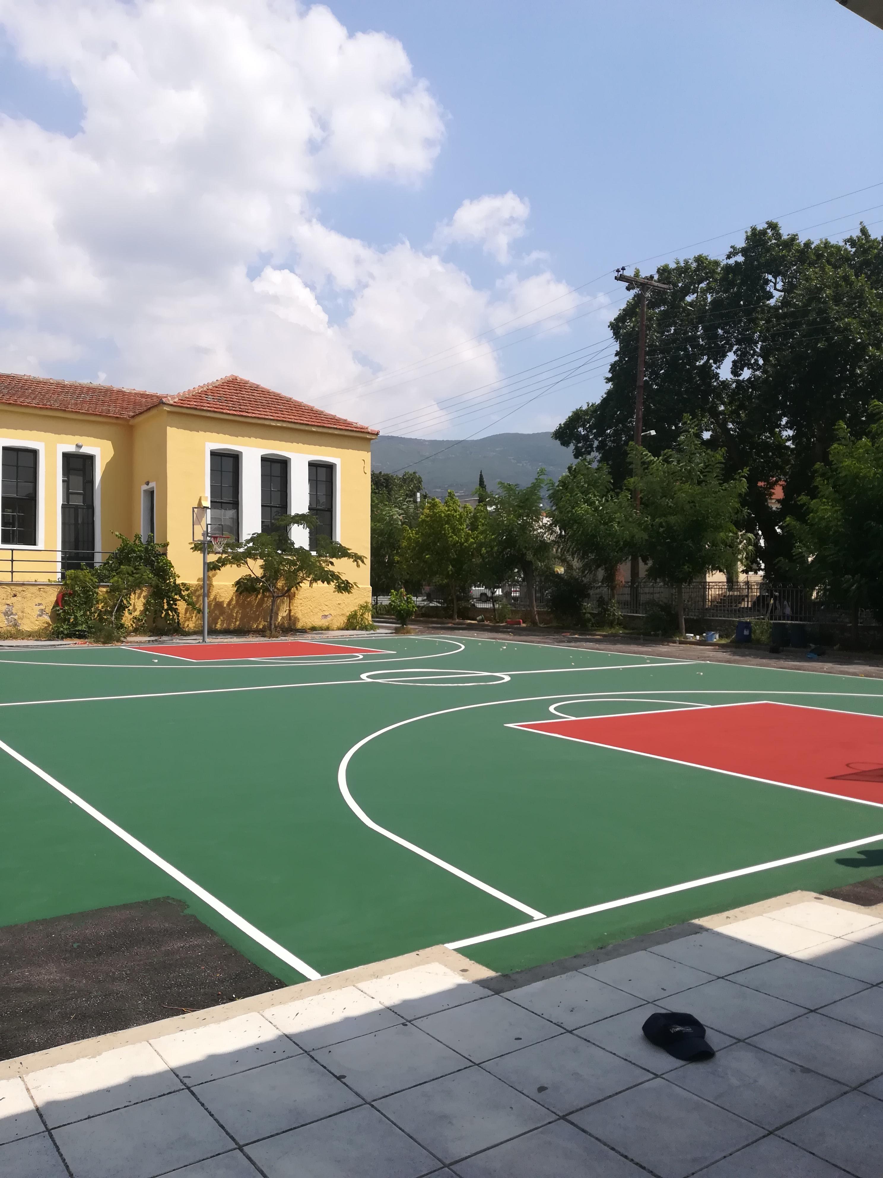 Κατασκευή γηπέδου μπάσκετ με ακρυλικά υλικά