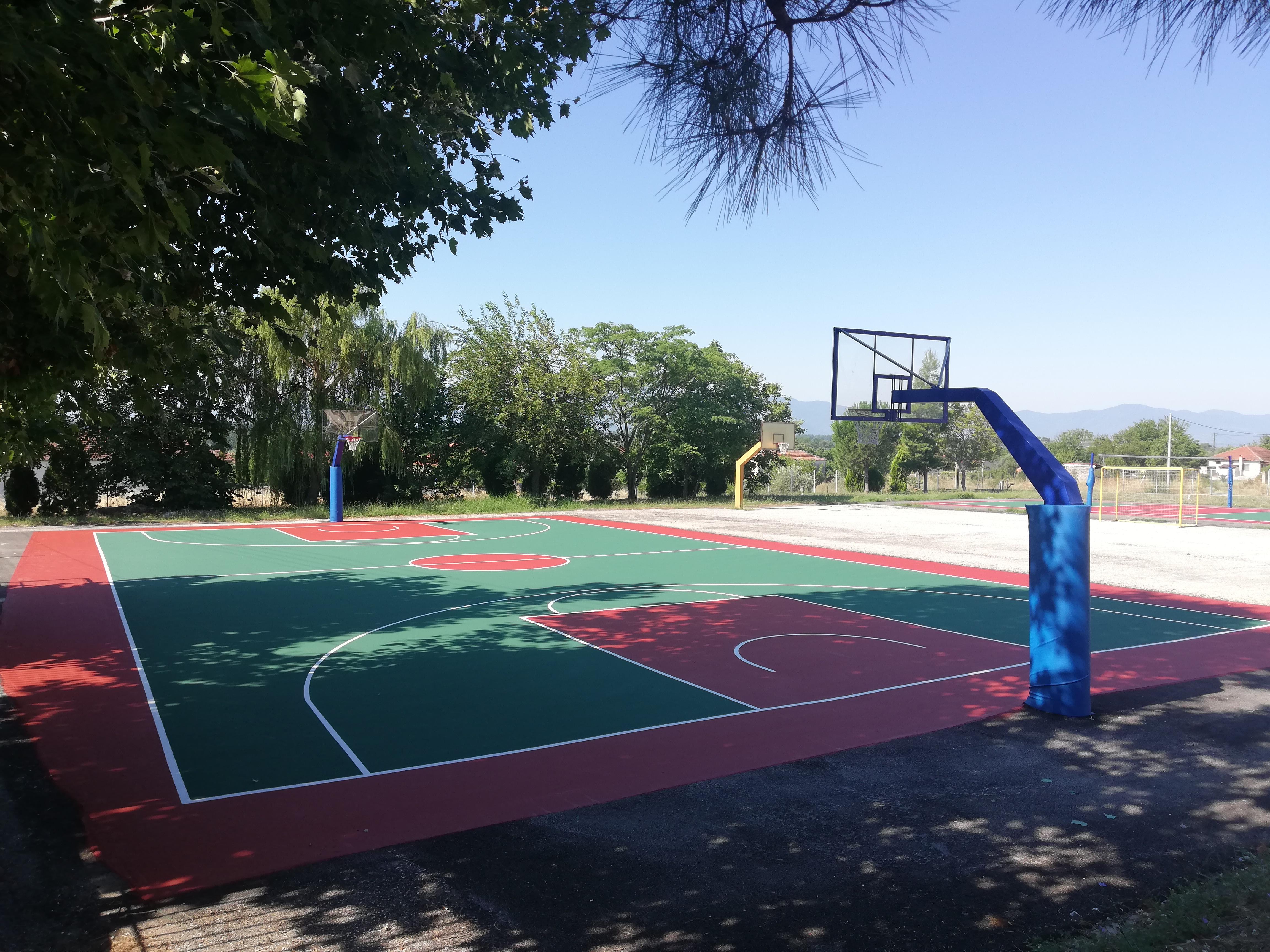 Κατασκευή γηπέδου μπάσκετ εξωτερικού χώρου